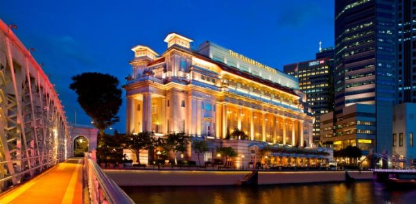 khach-san-the-fullerton-singapore