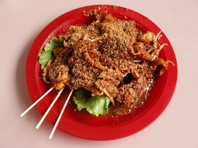 Nếm thử món ăn  đường phố hút khách ở Singapore